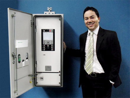 Bruno Kimura (Managing Director NOJA Power Brazil) with RC10